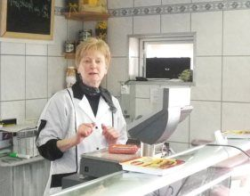 Frau Erika Dörr - Verkauf